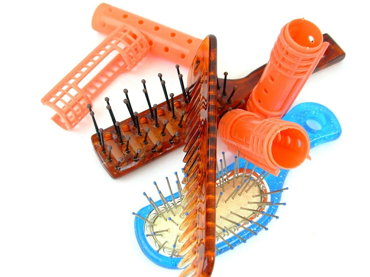 hairbrush-350073_1280