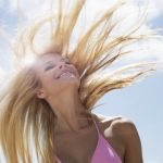 夏は抜け毛が多い?増える原因と対策方法を知ろう!紫外線に要注意!