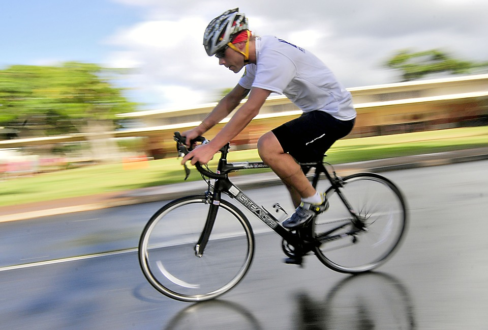 自転車男性
