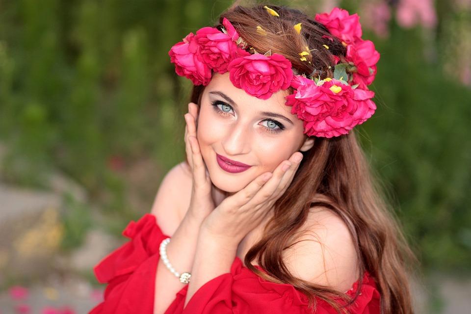 赤い花女性