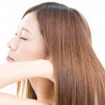 縮毛矯正にかかる値段は?矯正後に使用するシャンプーや市販の矯正剤の使用方法を紹介!