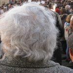 更年期に発生する抜け毛の原因とは?有効なサプリメントやシャンプーはなに?【対策法・治療法】