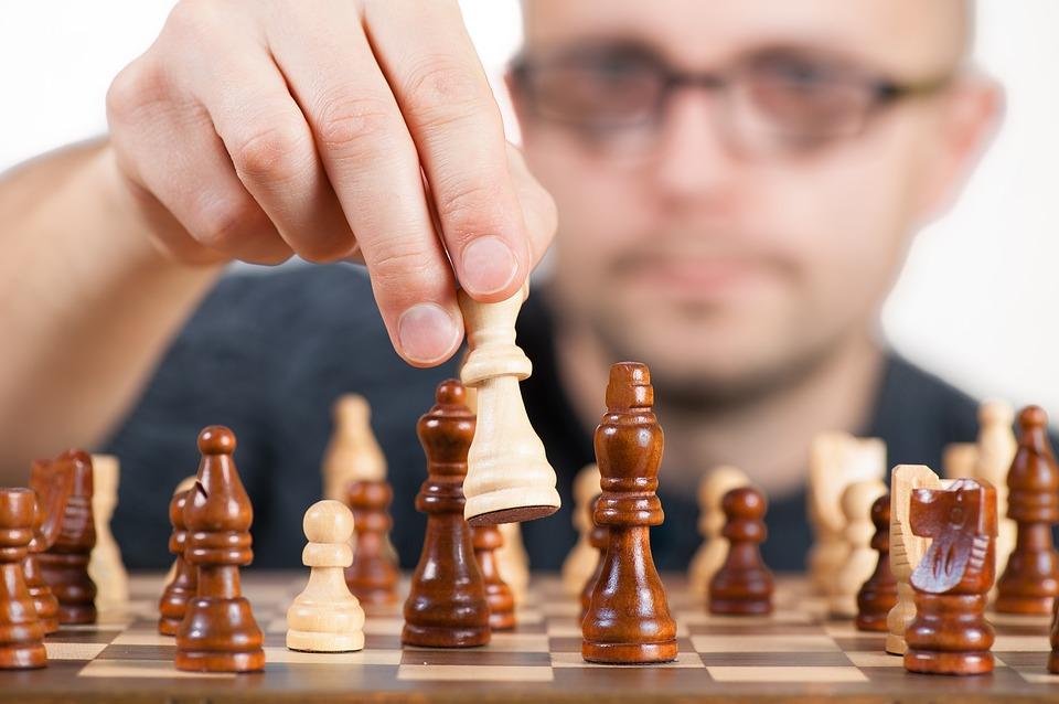 チェス男性