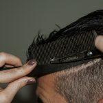 剃り込みのように前髪が後退してしまう薄毛の症状について紹介!M字ハゲの原因と対策方法を知ろう!