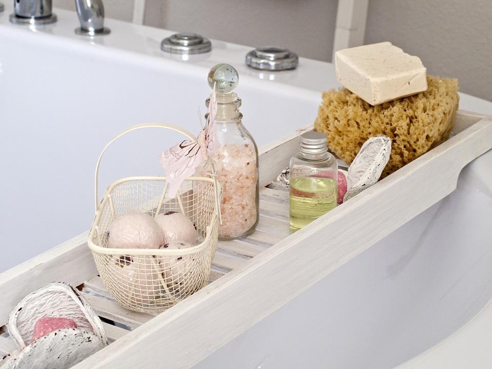 石鹸バスソルトのあるバスルーム