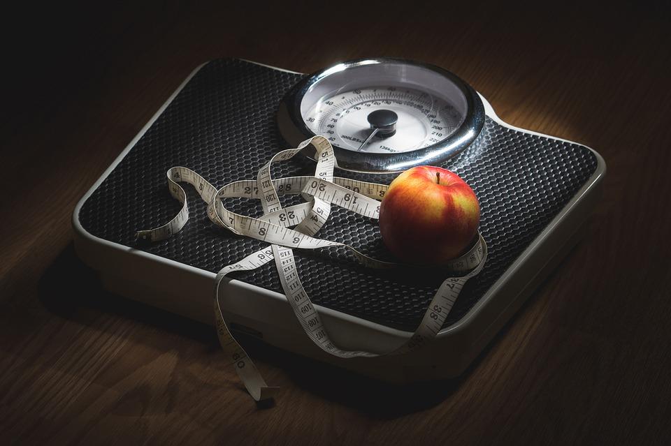 りんごと体重計