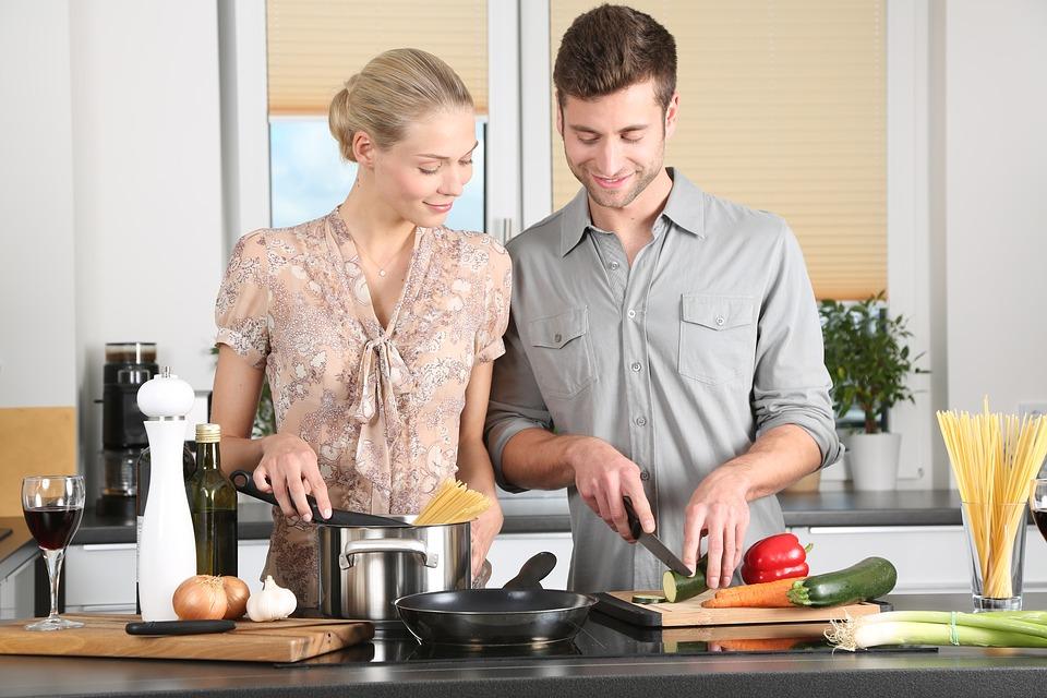キッチンカップル