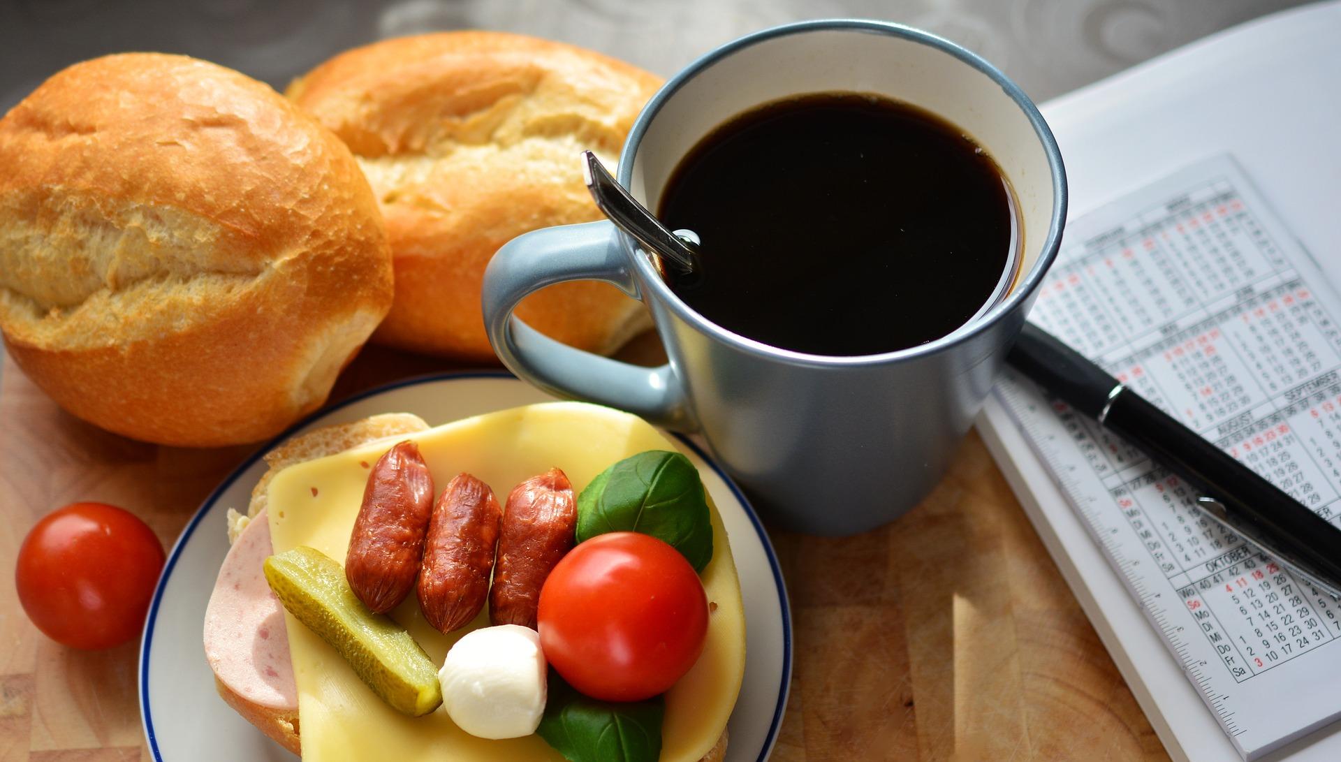 breakfast-2133093_1920