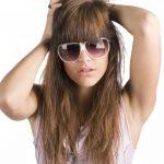 女性の髪の毛が抜ける原因は?抜け毛が増えたときの対策方法について!