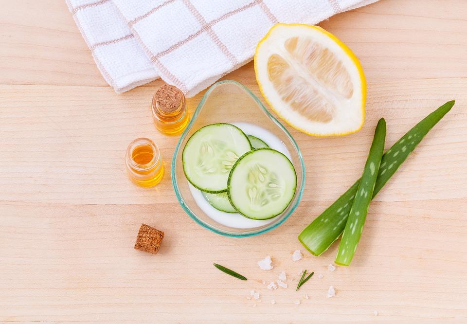 パック用の野菜とレモン