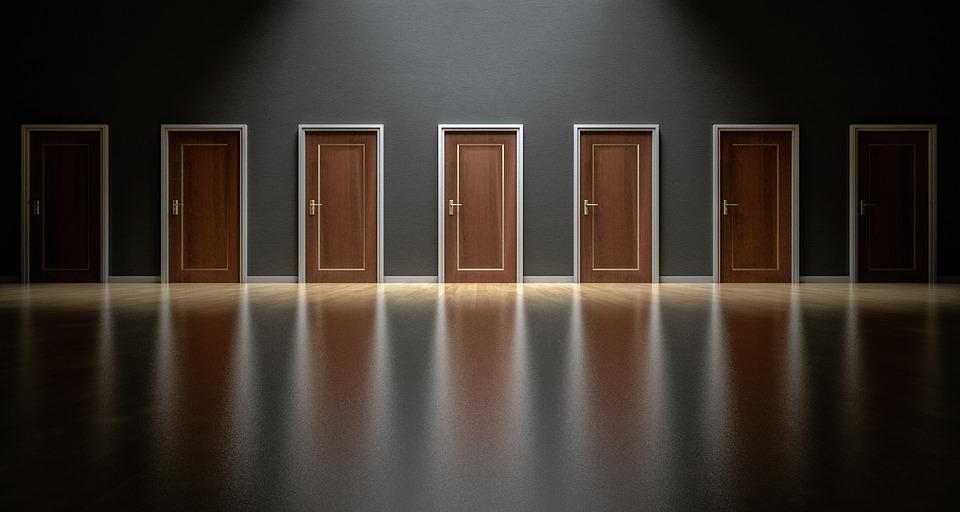 選ぶ 選択 チョイス 扉
