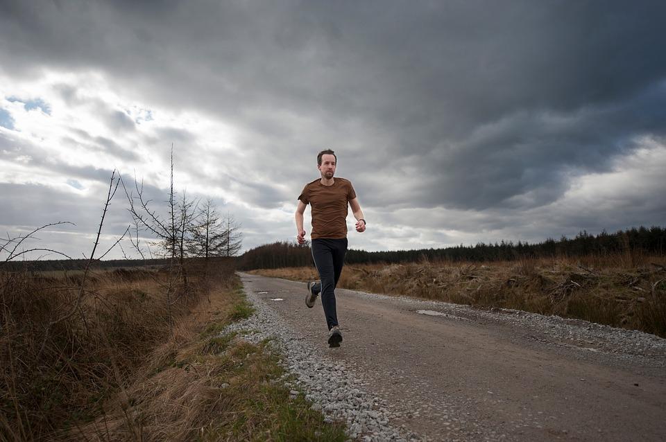 ジョギング男性