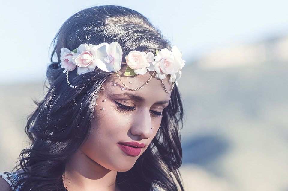花の冠女性