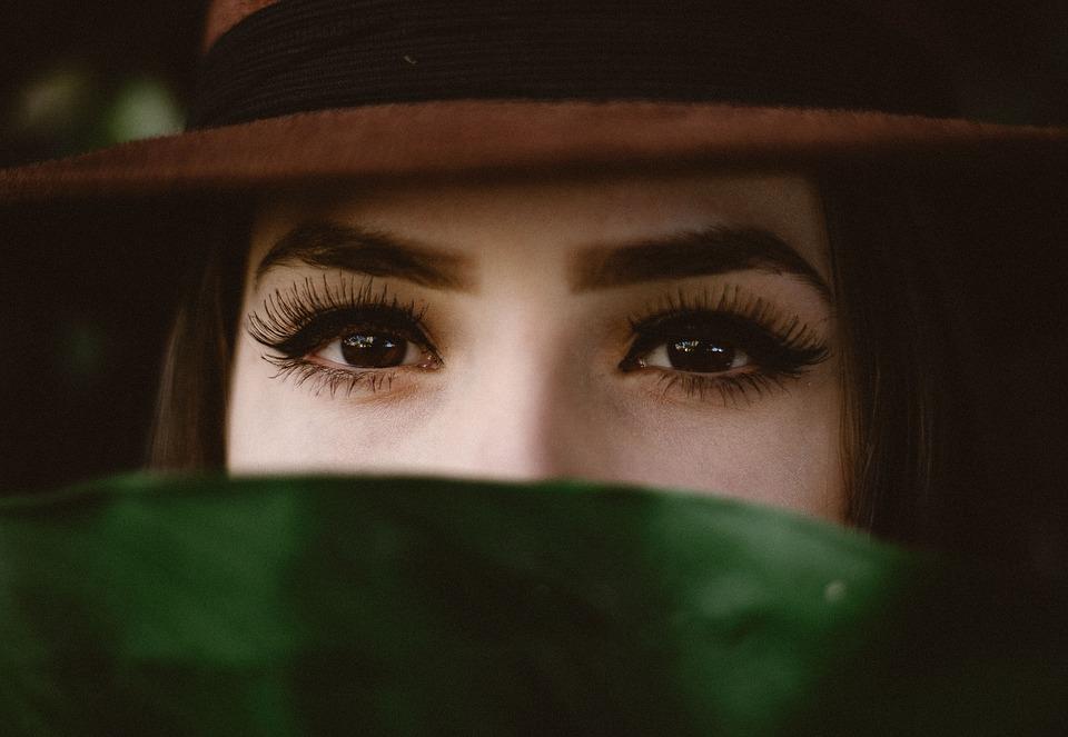 葉帽子女性
